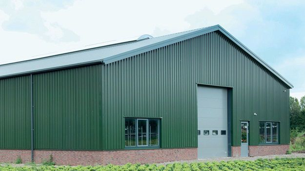 Agricultural shed in Colorcoat HPS200 Ultra in Juniper Green